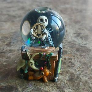 Mini Jack Skeleton Globe